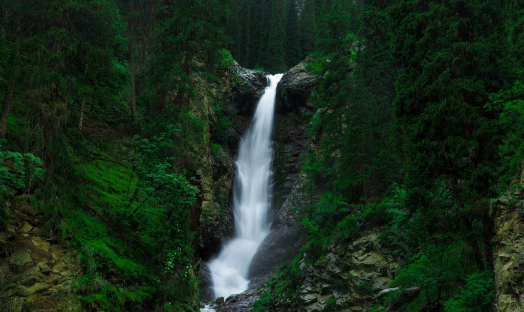 Туры в Кыргызстан - Барскоон водопады